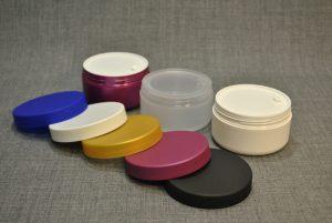 banka-plastikovaya-250-ml-dlya-kosmetiki-s-vkladyshem