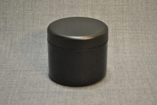banka-plastikovaya-500-ml-chernaya-s-chernoy-kryshkoy