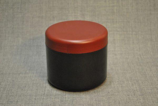 banka-plastikovaya-500-ml-chernaya-s-korichnevoy-kryshkoy