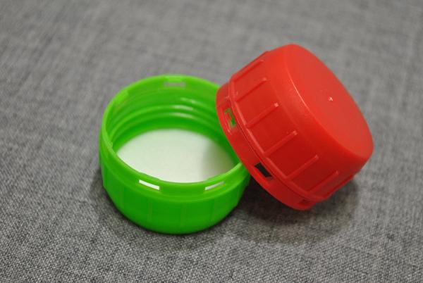 kryshka-dlya-plastikovoy-kanistry-38-mm