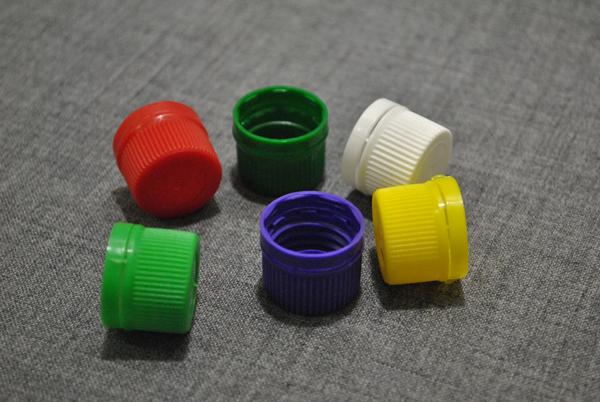 kryshka-dlya-plastikovogo-flakona-fpn