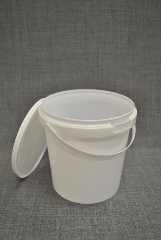 vedro-plastikovoe-1-litr-s-kryshkoy