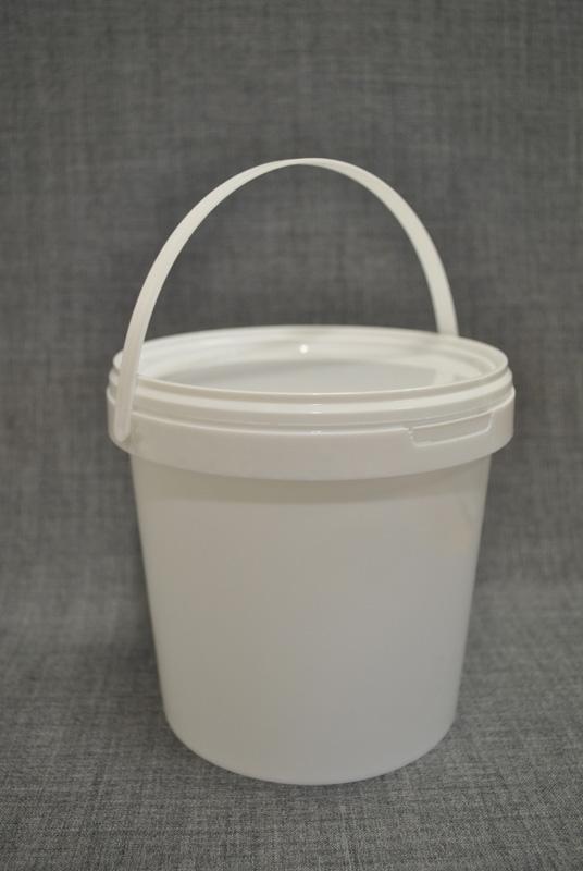vedro-plastikovoe-1.5-l-s-kryshkoy