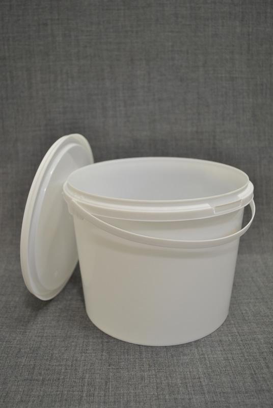 vedro-plastikovoe-3-l-s-kryshkoy-i-ruchkoy