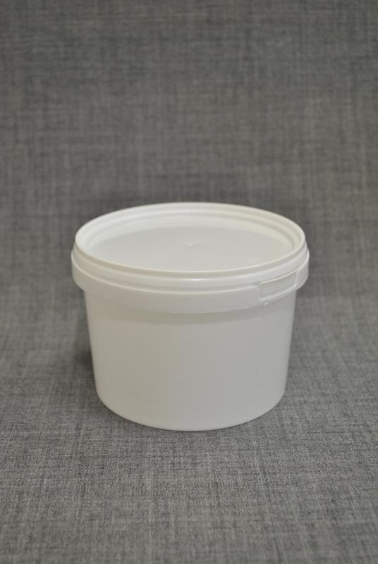 vedro-plastikovoe-550-ml-s-kryshkoy