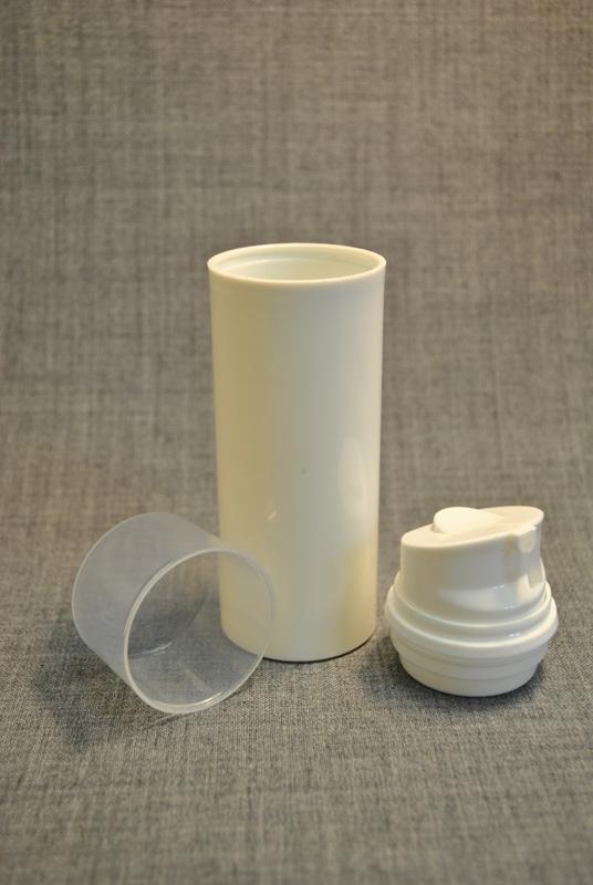 plastikovy`j-flakon-s-vakuumny`m-dozatorom-100-ml