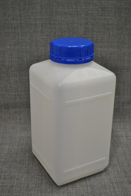 kanistra-plastikovaya-1-litr-kvadratnoj-formy`